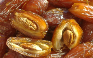 Dates-%E2%80%93-The-Healthiest-Fruit-On-This-Planet-That-Can-Cure-Many-Diseases3
